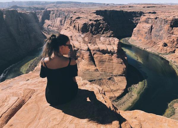 Camille au grand canyon aux états-unis