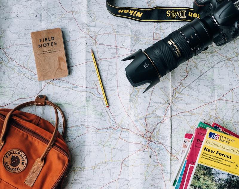 Voyage, carte, appareil photo, sac à dos